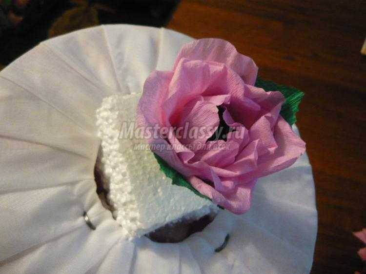 букет из конфет в розовых тонах