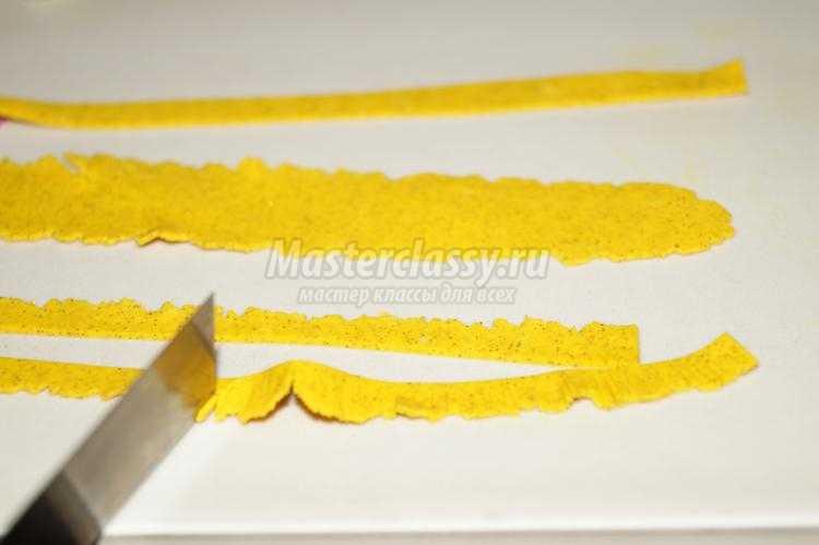 колье из полимерной глины. Цветы лотоса