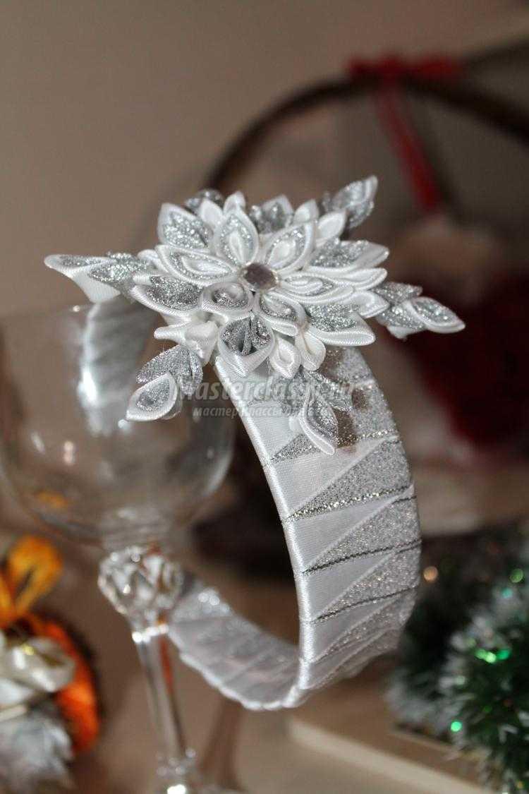 канзаши новогодний ободок. Снежинка