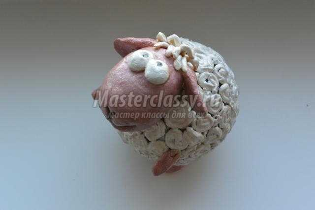 новогодняя овечка Маруся из соленого теста