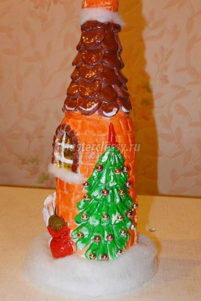 новогодний домик из бутылки шампанского
