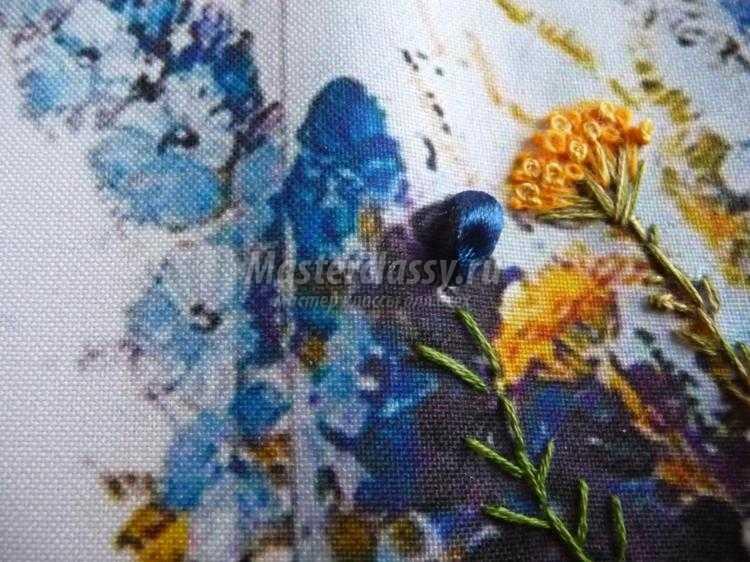 вышивка лентами картина. Букет полевых цветов