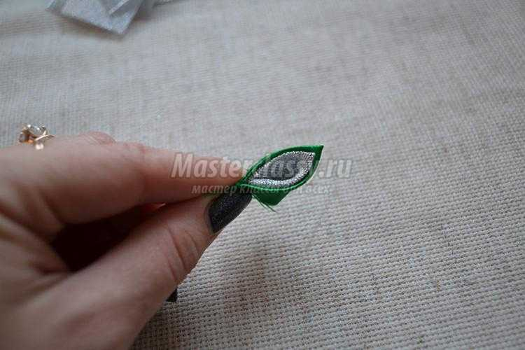 ободок для волос в технике канзаши. Веточка