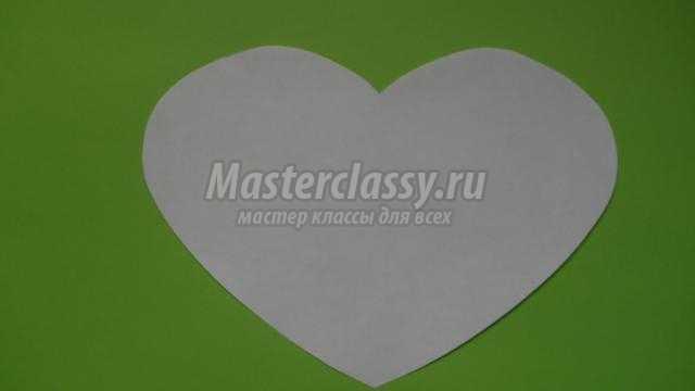 валентинка из бумажных сердечек. Бабочка