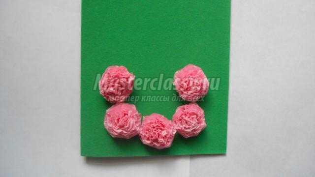 Как сделать цветы из салфеток для открытки к 8 марта