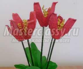 Мастер-класс. Букет цветов из яичных лотков для мамы на 8 Марта