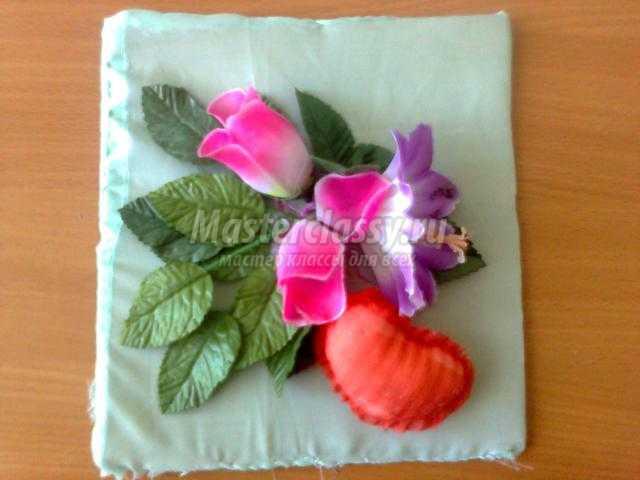 панно с цветами и сердцем на 14 февраля