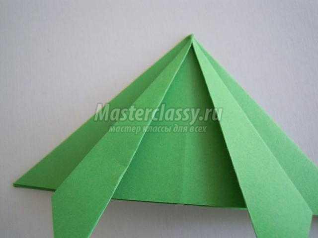 новогодняя открытка с елочкой в технике оригами