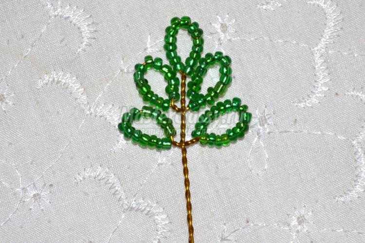 1425127907_4-001_750x499 Дерево любви из бисера своими руками (в форме сердца)!