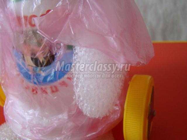 игрушки из бросового материала. Зайка-каталка
