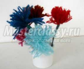 Цветы из помпонов на 8 Марта. Мастер-класс с пошаговыми фото