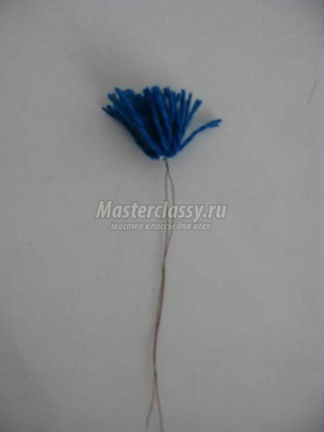 цветы из помпонов на 8 Марта
