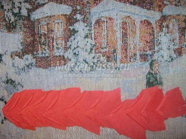 корзина с цветами из гофрированной бумаги на 8 Марта