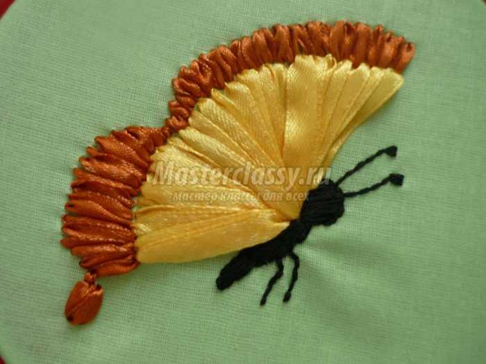 «Бабочка - техника вышивка лентами»