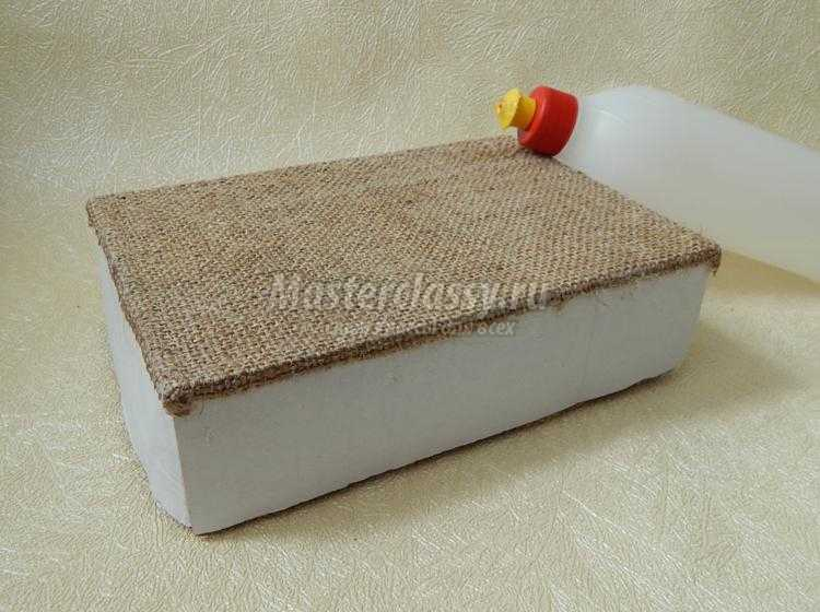 коробочка для специй из мешковины и бечевки