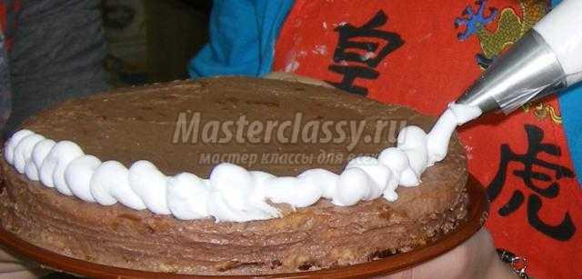 бисквитный торт. Пчёлки
