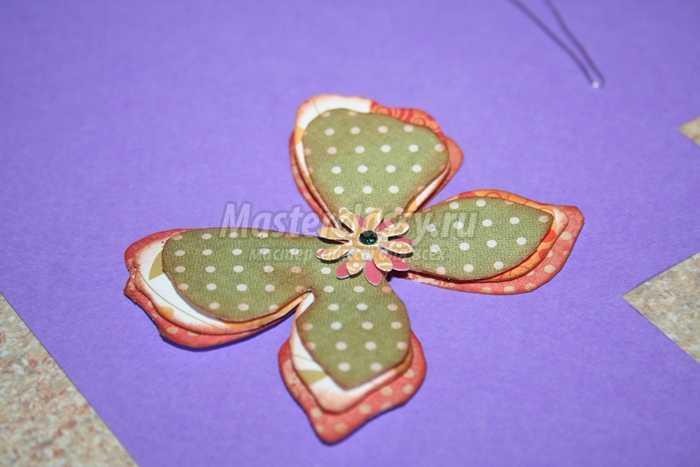 Пасхальная подделка в технике скрапбукинг «бабочки»