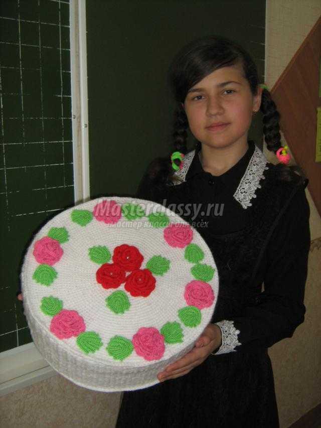 вязание крючком. Торт с цветами