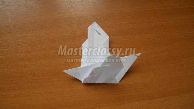 голубь мира ко Дню Победы в технике оригами