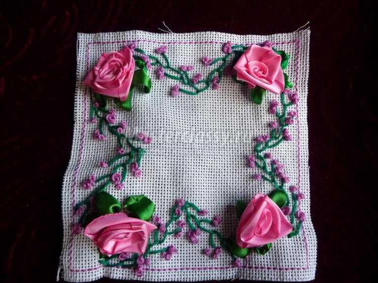 вышивка лентами игольницы бискорню с розами