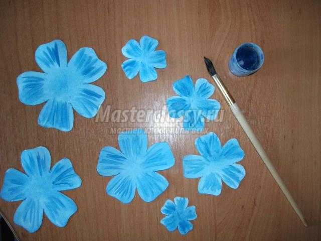 цветочная композиция из акварельной бумаги