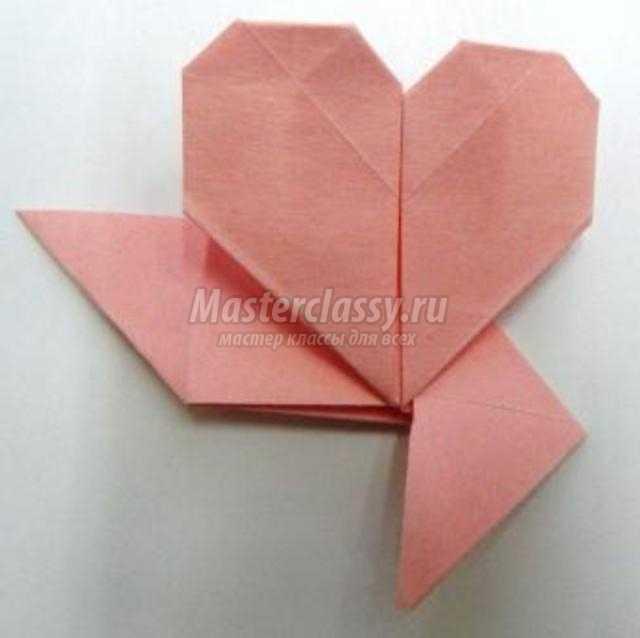фоторамка из бумаги с сердечками