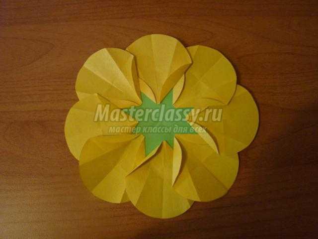 оригами из кругов. Подсолнух
