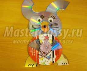 Поделка из компакт-дисков. Зайчик.  Мастер-класс с пошаговыми фото