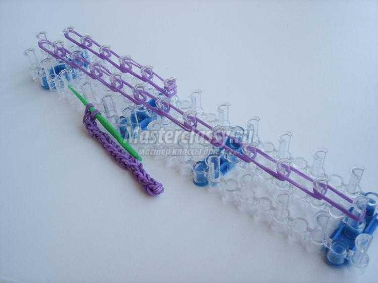 плетение из резинок rainbow loom. Скрипичный ключ