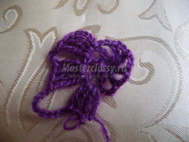 вязаный жилет крючком в технике безотрывного вязания