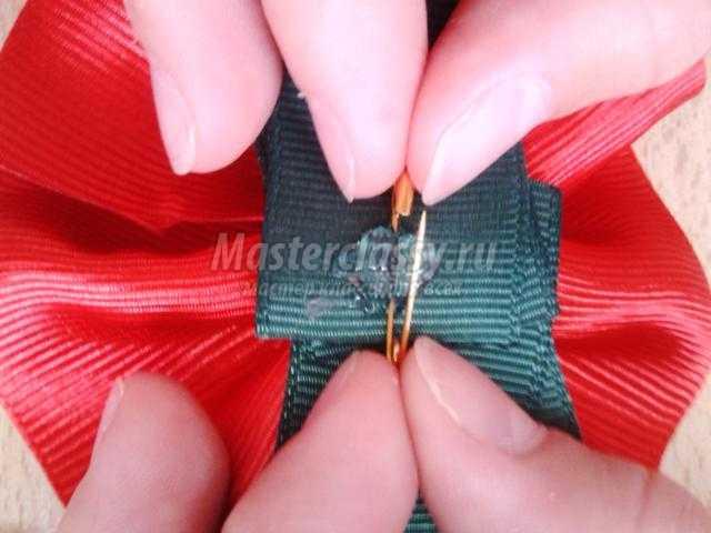цветок-брошь из репсовых лент