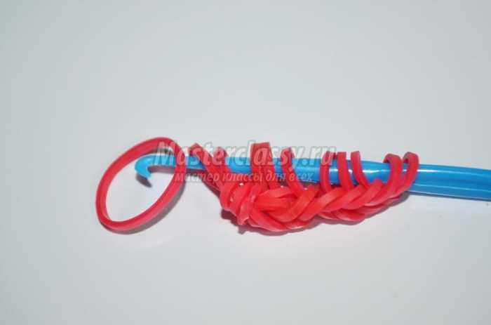 Плетение из цветных резиночек Rainbow Loom на крючке
