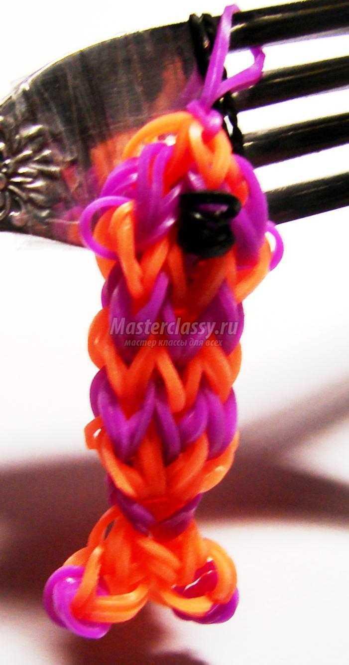 брелок из резинок rainbow loom. Рыбка