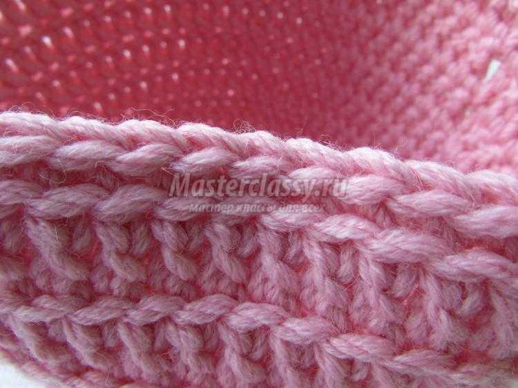 Вязание крючком. Шапочка для девочки с объемными цветами. Мастер-класс