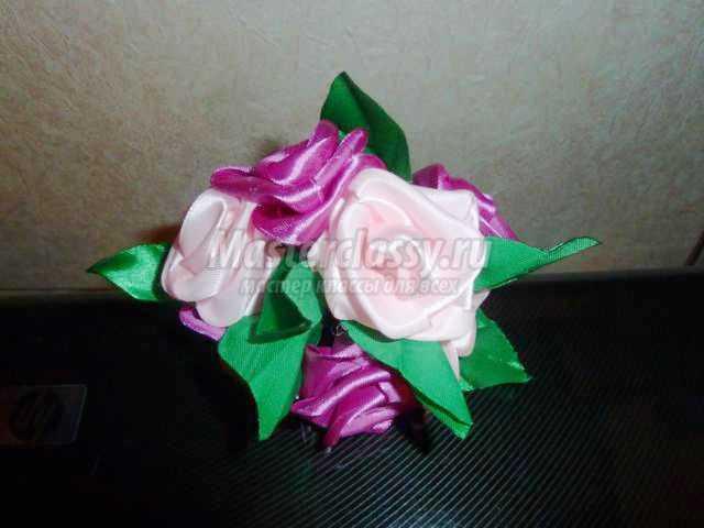букет цветов из атласных лент