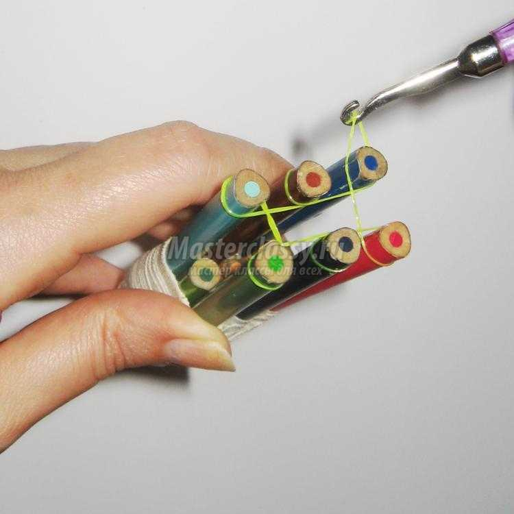 Как сделать браслет из карандашей