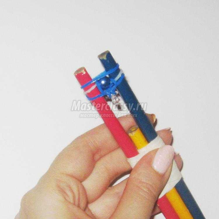 браслет из резинок и бусин на карандашах. Шамбала