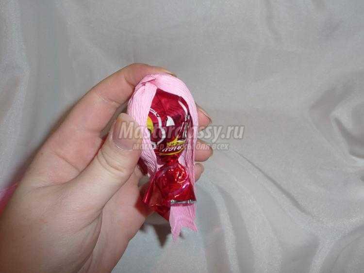 сладкие подарки из конфет. Весенняя ракушка