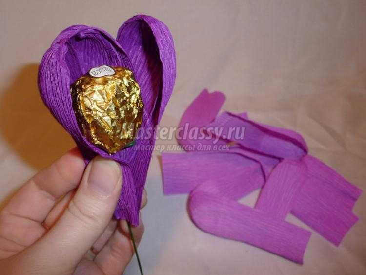 сладкий подарок. Фиалки с конфетами Ферреро