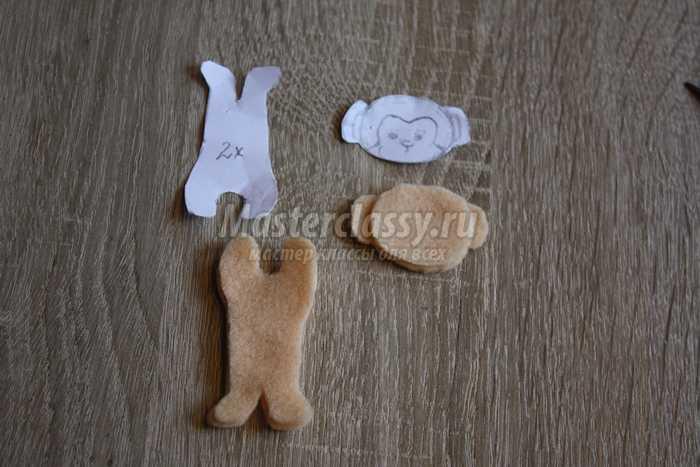 Именная табличка из фетра в детскую комнату с обезьянкой