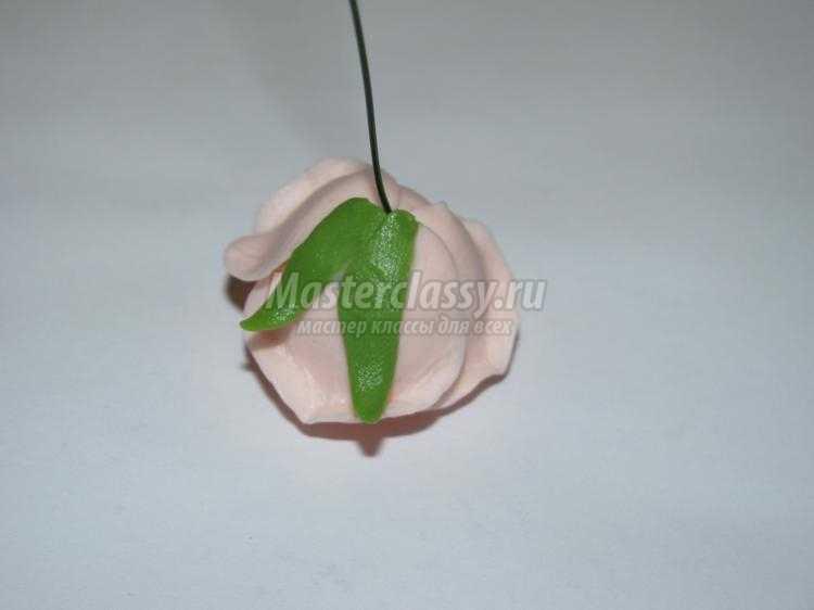 заколка-гребень с розами из холодного фарфора