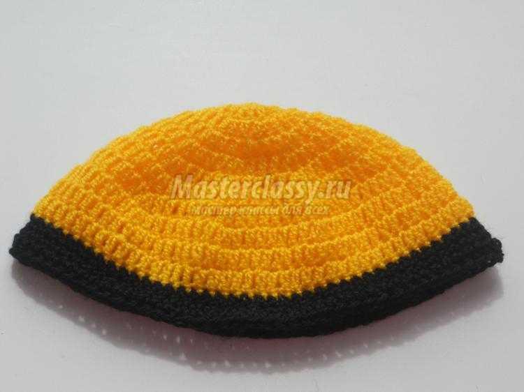 шапочка крючком Миньон фото