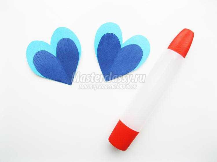 рыбка из бумажных сердечек