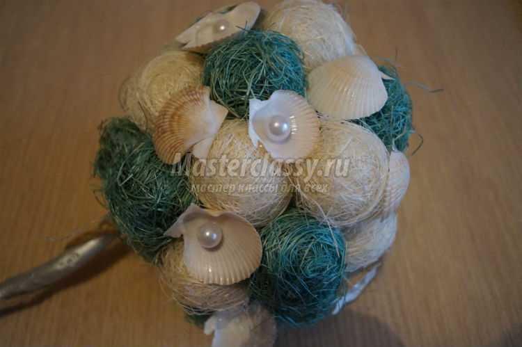 морской топиарий из ракушек и сизаль