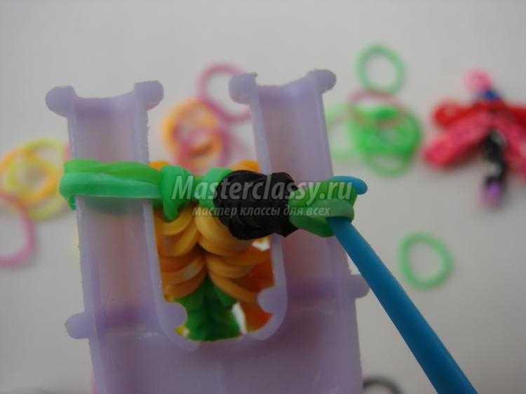 стрекоза из резинок на рогатке