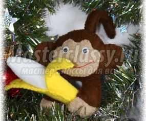 Новогодняя обезьянка 2016 из фетра с бананом. Мастер класс с пошаговыми фото