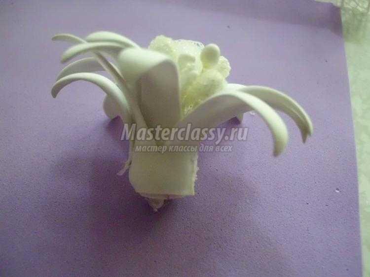 цветок-бант из фоамирана и фатина к 1 сентября