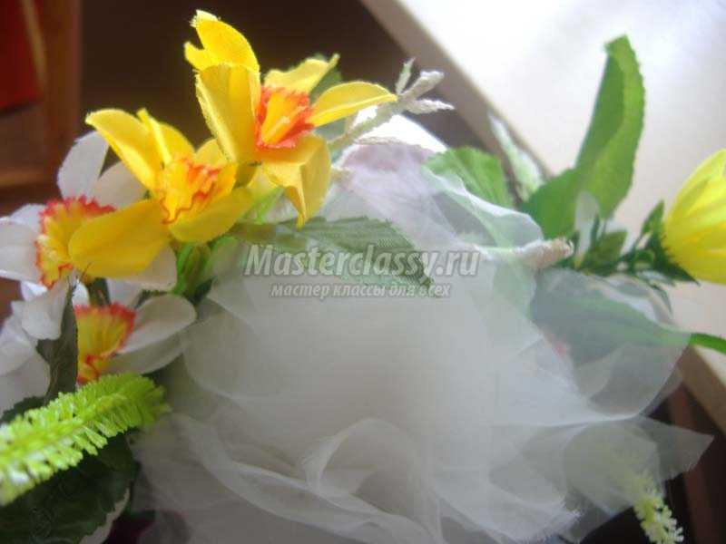 топиарий из органзы и цветов