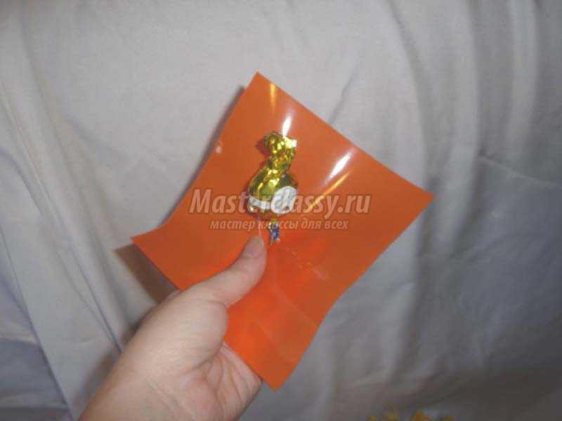 букет из конфет в корзинке