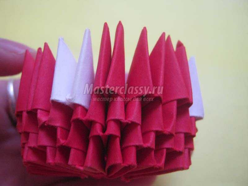 как сделать клубнику из модульного оригами